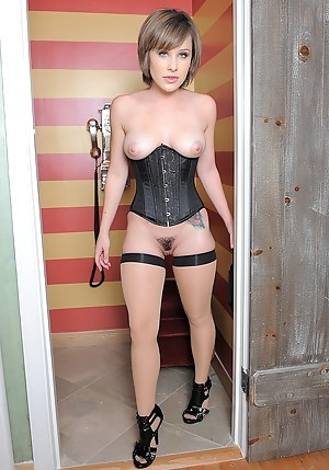 Hot Teen Corset Porn Pictures