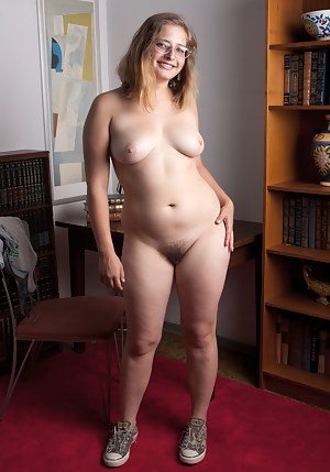 Hot Babe Porn Pictures